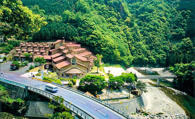 雙津峡(そうづきょう)温泉 錦パレス