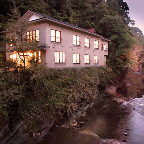 養老渓谷温泉郷 温泉旅館 川の家