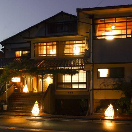 7b452e7195f8c 観光旅館 寛竹野浜からの汐風に包まれた宿です。日本海を眺めながらの新鮮な海の幸は絶品です!!是非お越し下さいませ。