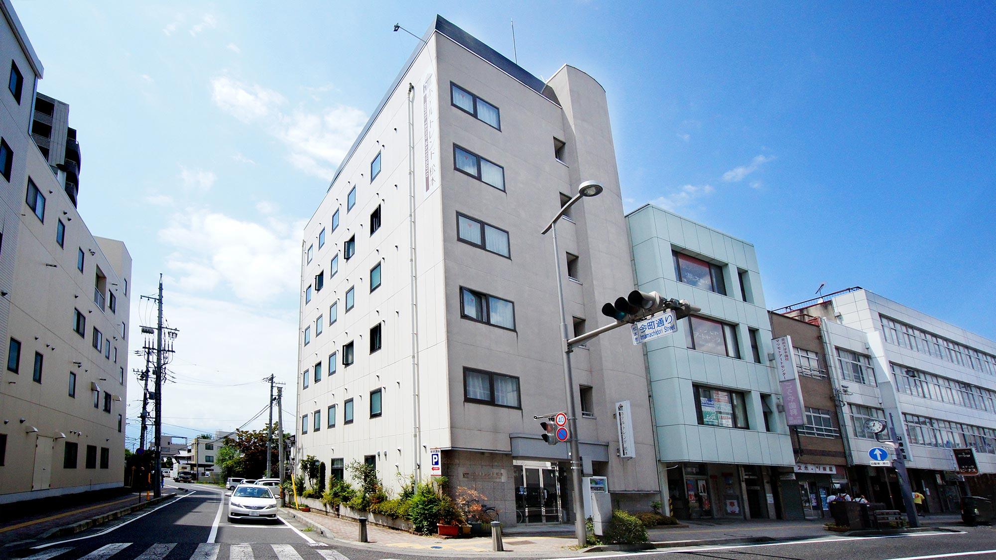01b614176674 ホテル おたりや駅・松本城は徒歩6分。コンビニ・飲食店は徒歩1分。観光・ビジネス・アクセスに便利。