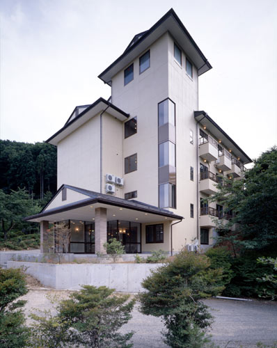 八景園別館 庭園ホテル