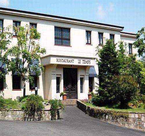ae6864bda7 オーベルジュ ル・タンレストランに宿泊施設を兼ね備えたオーベルジュ。本格フランス料理と貸切の温泉をゆっくりと楽しめる宿。